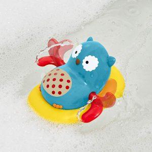 coruja nadadeira skip 300x300 - Brinquedos para o banho do bebê