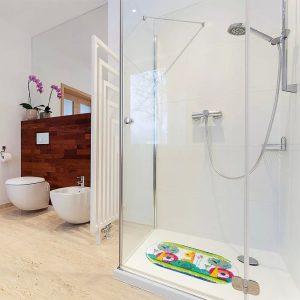 tapete anti derrapante para criança 300x300 - Brinquedos para o banho do bebê